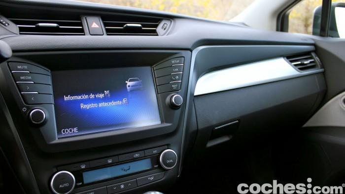 Toyota Avensis 150D prueba 041