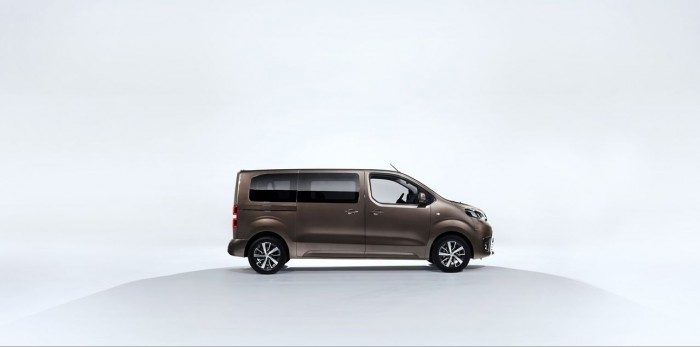 Toyota Proace Verso 2016 01