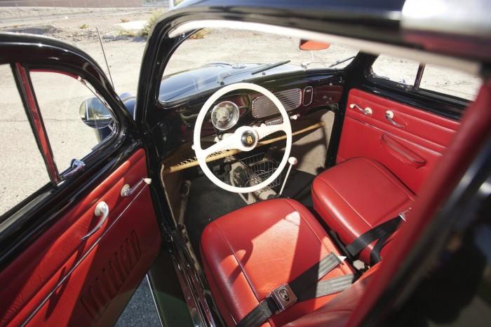 Volkswagen Beetle Oval Window 1954 Green Day interior 02