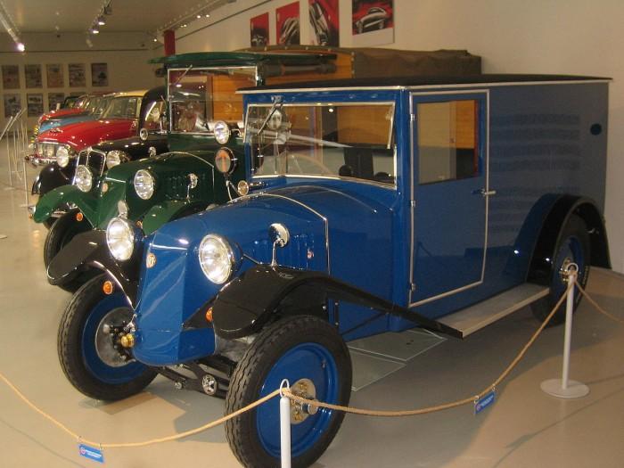 furgoneta Tatra 12