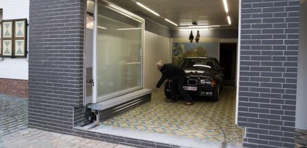 jubilado engaña autoridades con su garaje 03 (600x400)