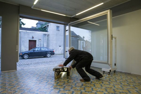 jubilado engaña autoridades con su garaje 06 (600x400)