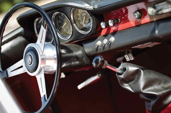 Alfa Romeo Giulia 1600 Sprint Speciale by Bertone 1963 interior 2