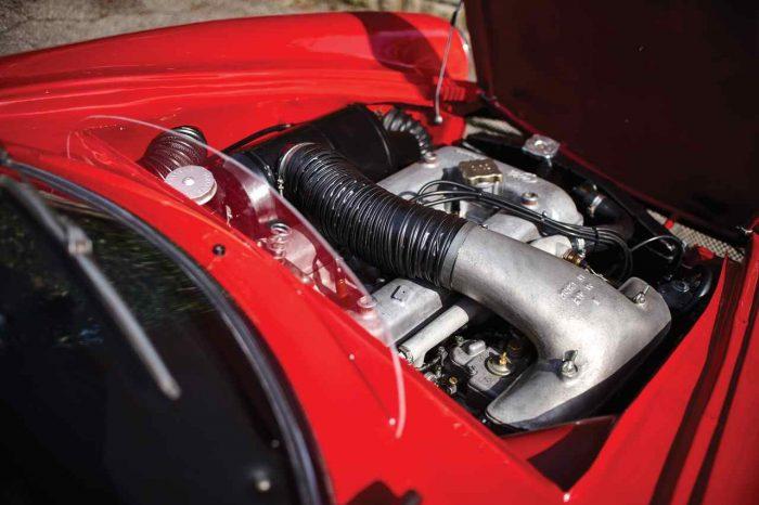 Alfa Romeo Giulia 1600 Sprint Speciale by Bertone 1963 motor