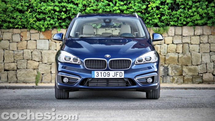 BMW_Serie_2_Active_Tourer_218d_010