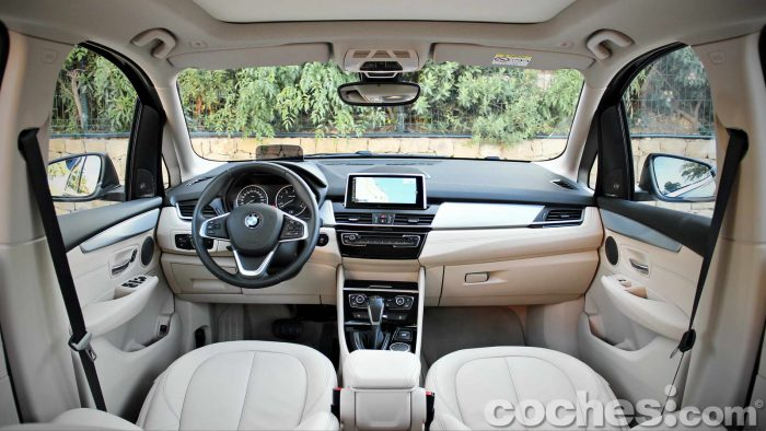BMW_Serie_2_Active_Tourer_218d_021
