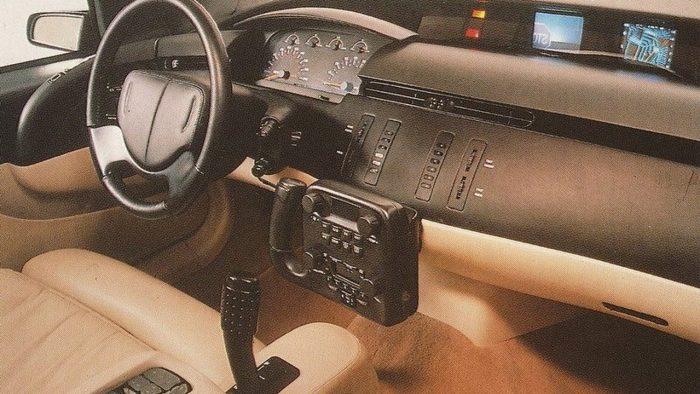 Cadillac Voyage 1988 (5)