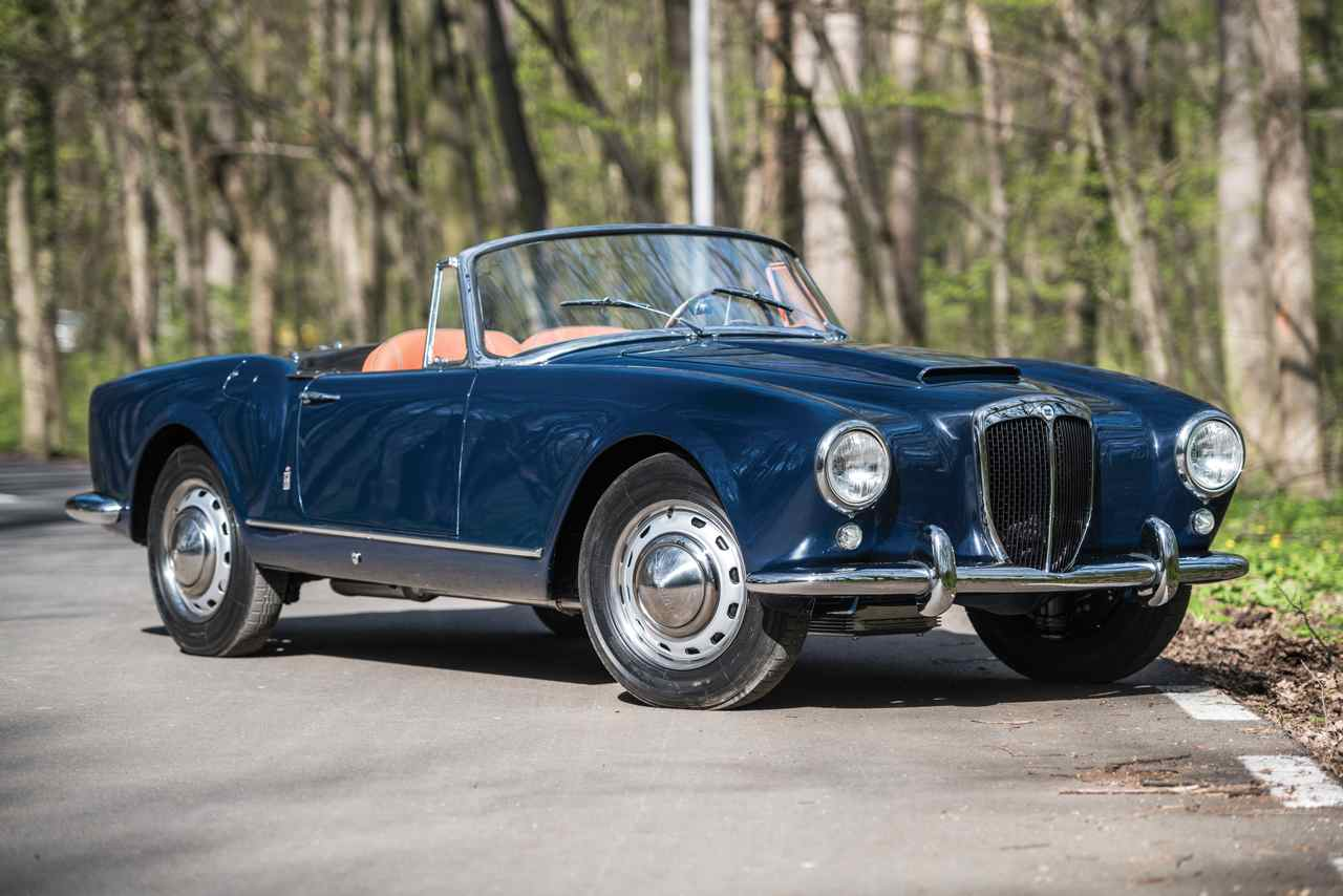 https://noticias.coches.com/wp-content/uploads/2016/05/Lancia-Aurelia-B24S-Convertible-by-Pinin-Farina-1958-01.jpg