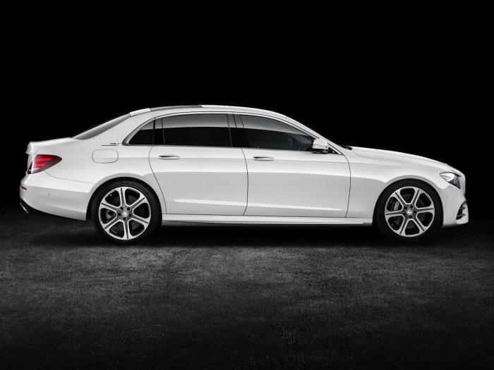 Mercedes-Benz Clase E LWB China 2016