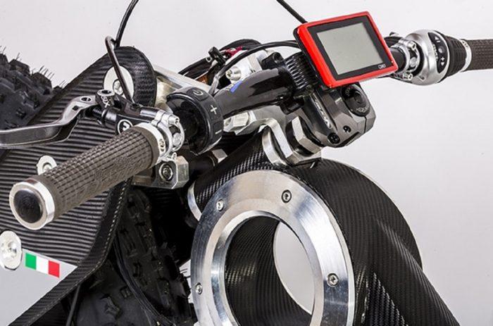 Moto Parilla Carbon 02