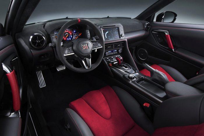 Nissan Nismo GT-R 2017 interior 01