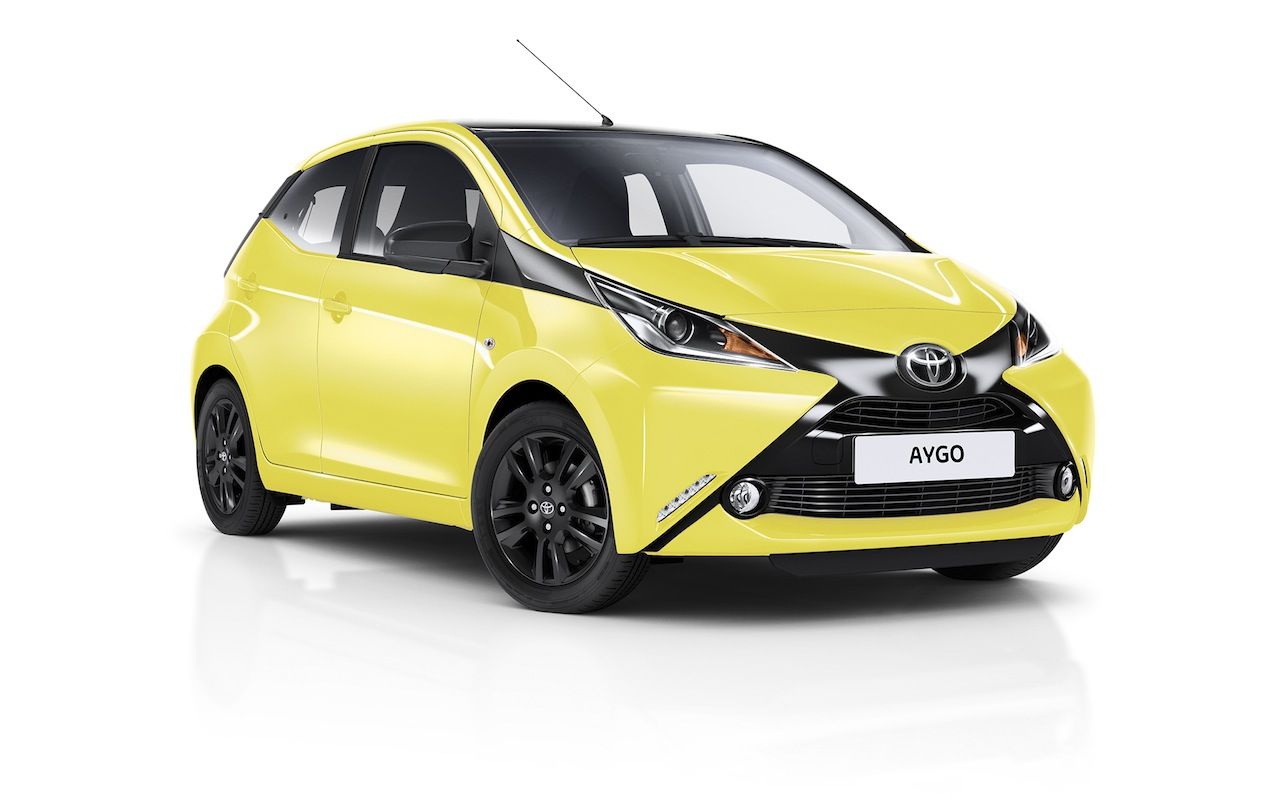 el toyota aygo x cite se viste de amarillo. Black Bedroom Furniture Sets. Home Design Ideas