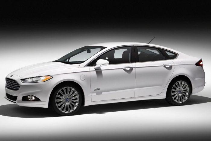 Ford Sedan Fusion Energi 2015