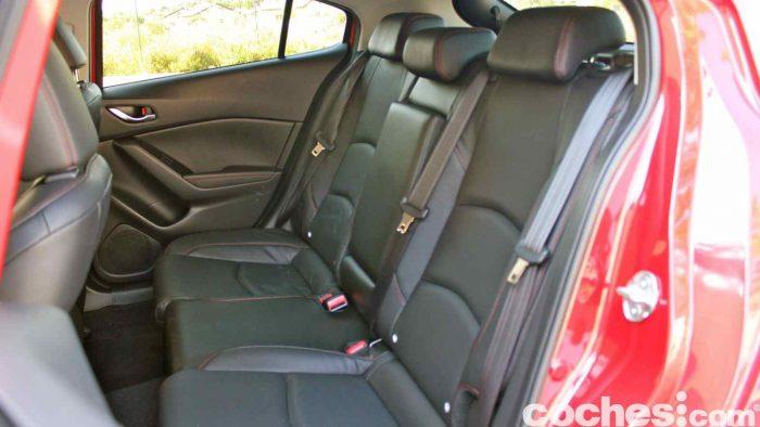Mazda 3 2.2 Skyactive-D prueba interior 08