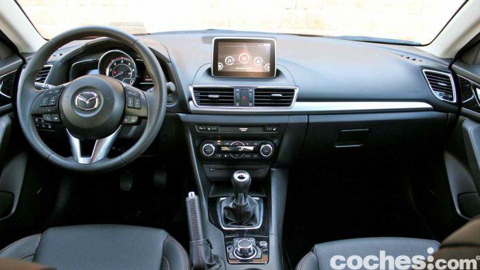 Mazda 3 2.2 Skyactive-D prueba interior 09