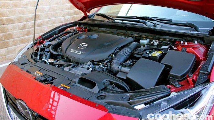 Mazda 3 2.2 Skyactive-D prueba motor 1