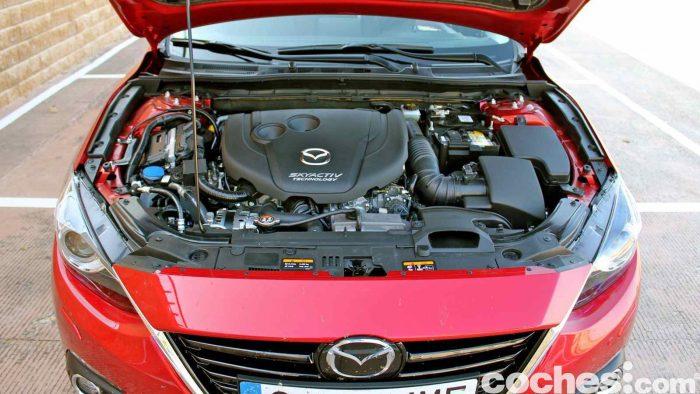 Mazda 3 2.2 Skyactive-D prueba motor 2