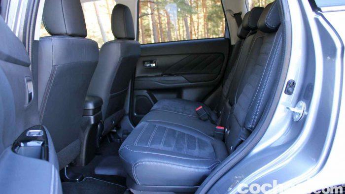 Mitsubishi Outlander PHEV 2016 prueba interior 09