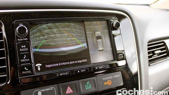 Mitsubishi Outlander PHEV 2016 prueba interior 11