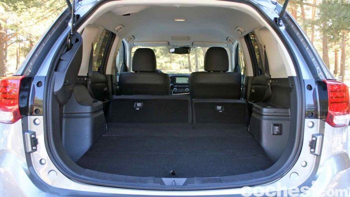 Mitsubishi Outlander PHEV 2016 prueba maletero 2