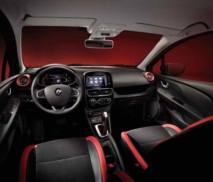 Renault Clio 2017 interior 3