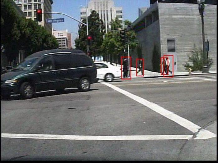 algoritmo que reconoce peatones 03