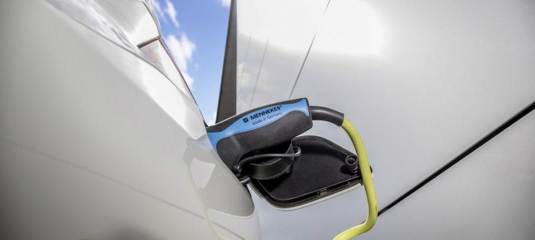 Carga de Mercedes eléctrico