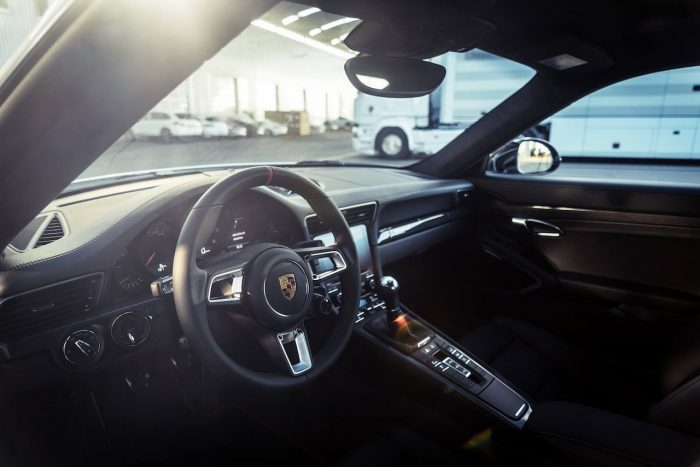 Porsche 911 Carrera S Endurance Racing Edition 2016 interior 02