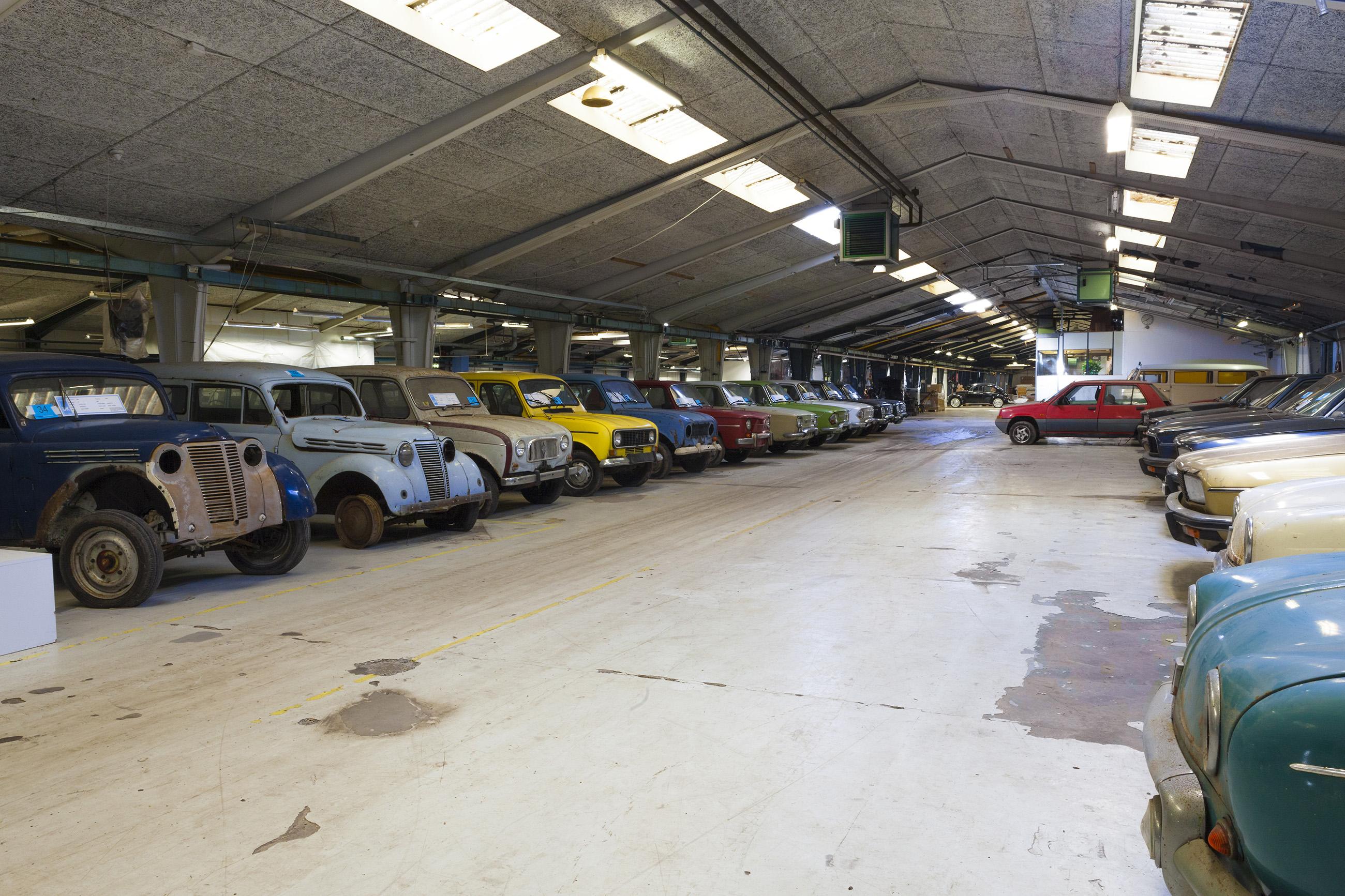 Renaults listos para la subasta