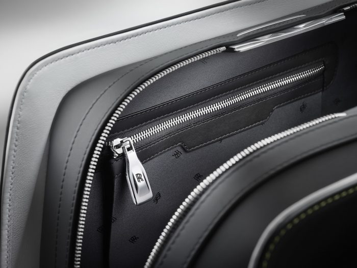 Wraith Luggage Collection 05