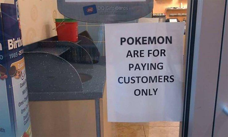 cartel en una tienda en NY