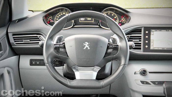 Peugeot_308_SW_1.2_PureTech_019