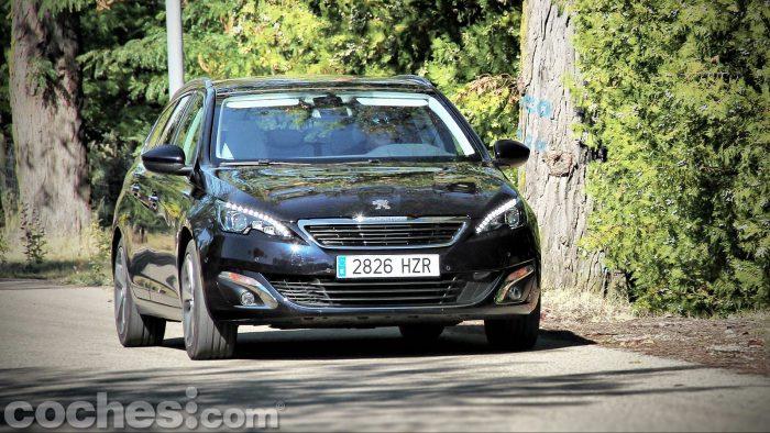 Peugeot_308_SW_1.2_PureTech_068
