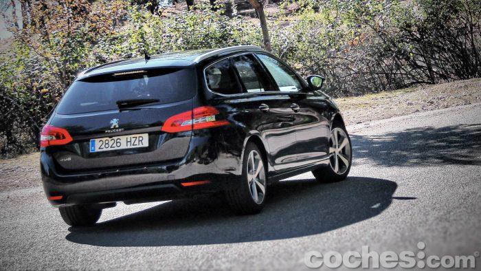 Peugeot_308_SW_1.2_PureTech_070