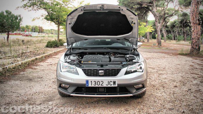 SEAT_León_X-Perience_2.0TDI_4Drive_DSG_055