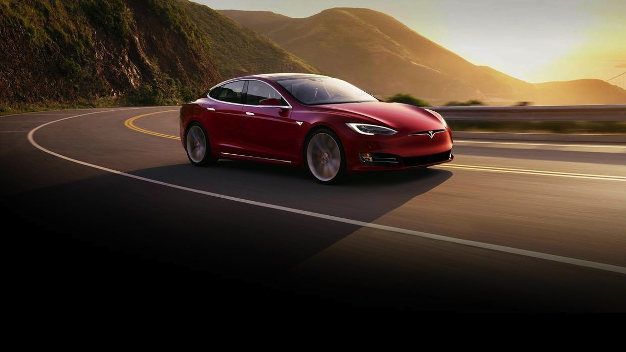 Tesla Model S P100D 2016 01
