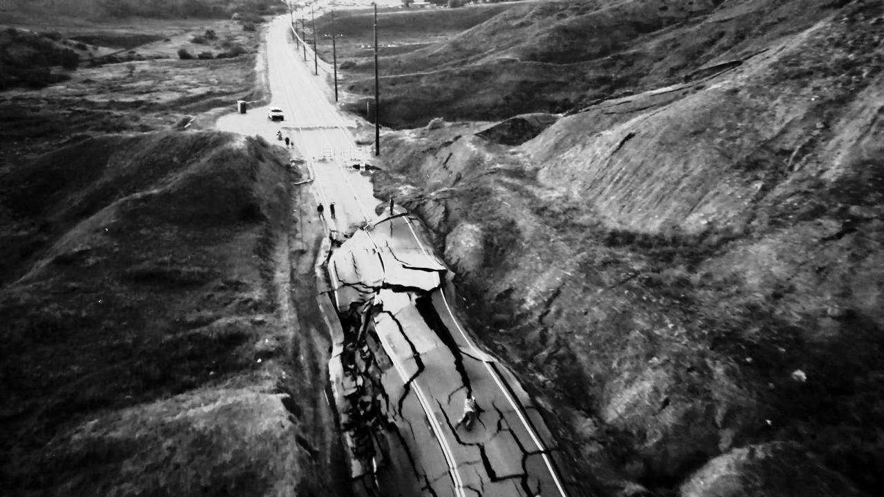 carretra destrozada de Santa Clarita (1280×720)