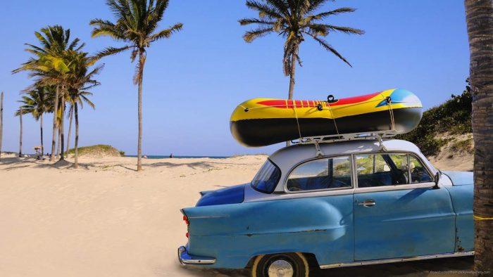 coche clasico americano playa