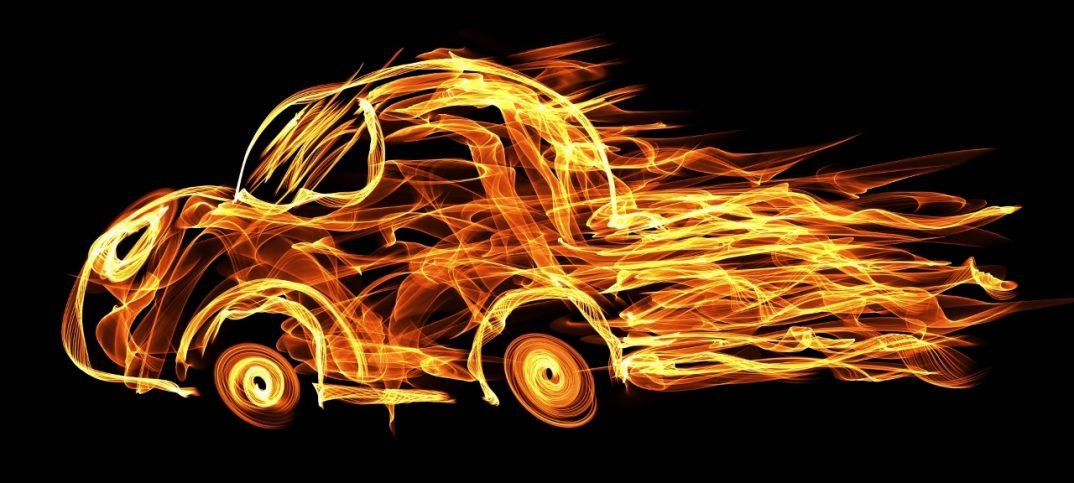dibujo de luz de un coche en llamas