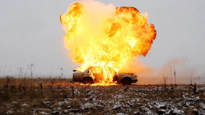 coche explotando