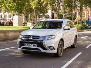Mitsubishi Outlander PHEV UK 2016