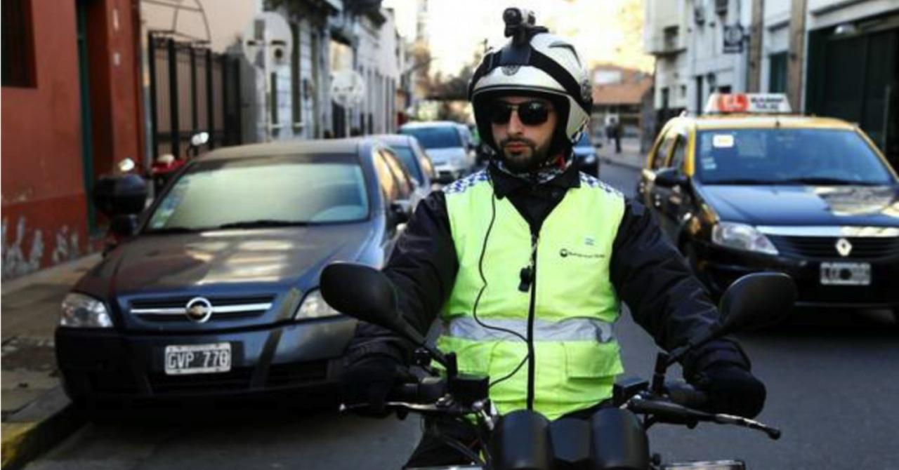 policia multa casco