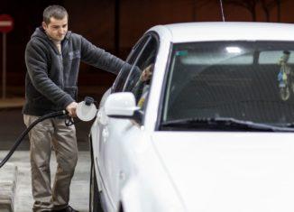repostar gasolina diesel gasolinera