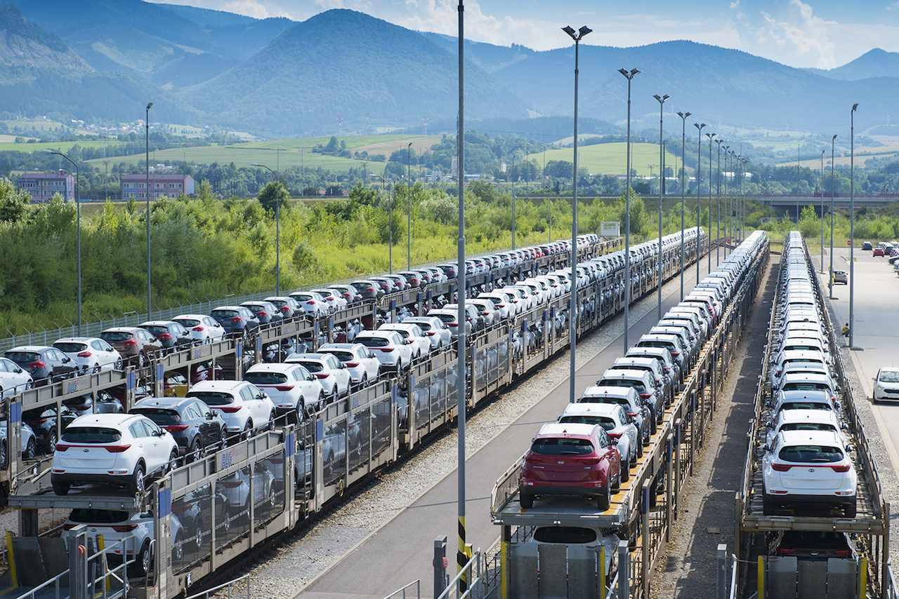stock coches en tren