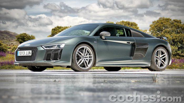Audi_R8_V10_Plus_5.2_FSI_quattro_Stronic_003