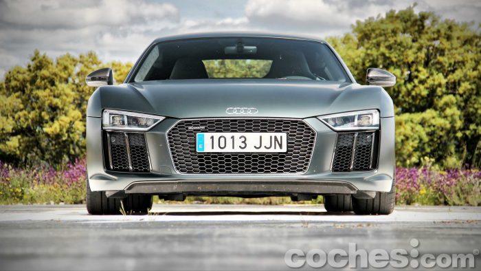 Audi_R8_V10_Plus_5.2_FSI_quattro_Stronic_006