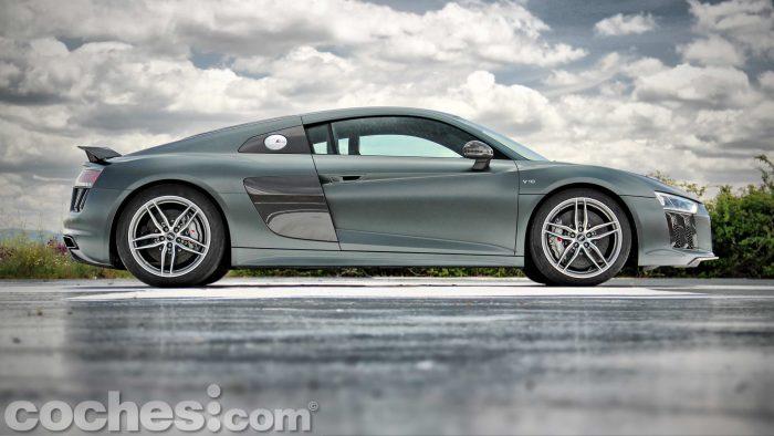 Audi_R8_V10_Plus_5.2_FSI_quattro_Stronic_008