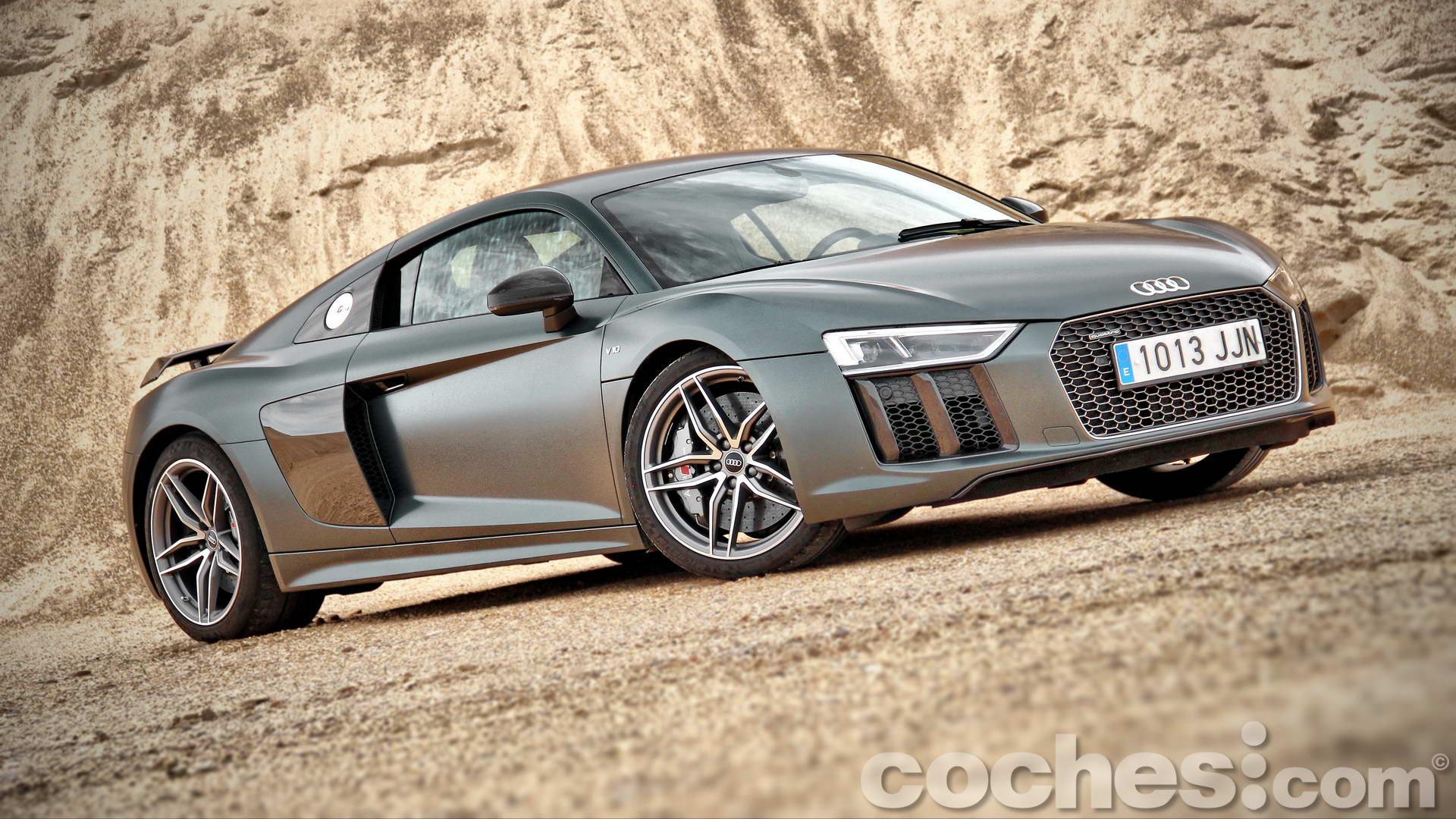 Audi_R8_V10_Plus_5.2_FSI_quattro_Stronic_010