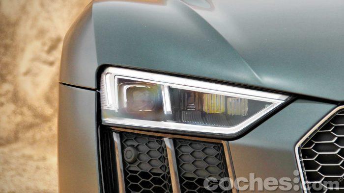 Audi_R8_V10_Plus_5.2_FSI_quattro_Stronic_030