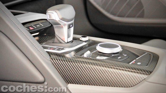 Audi_R8_V10_Plus_5.2_FSI_quattro_Stronic_042